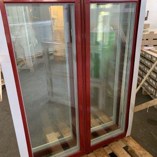 Sidohängda 2-luftsfönster i trä/alu, 11x14 Traditionella fönsterhaspar invändigt, utvändig aluminiumbeklädnad för modern prestanda Vit insida, röd aluminium utvändigt 3-glas